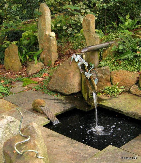 whimsy frog pond