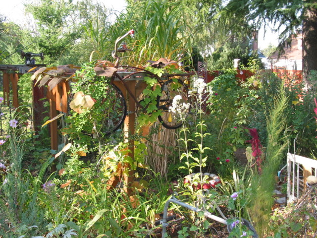Zany junk gardens - this one is Nancy Goldman's in Portland - good to see people having fun  with their gardens, which not enough do over here.